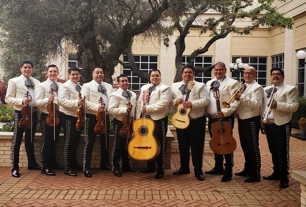 Los Galleros Featured in La Prensa